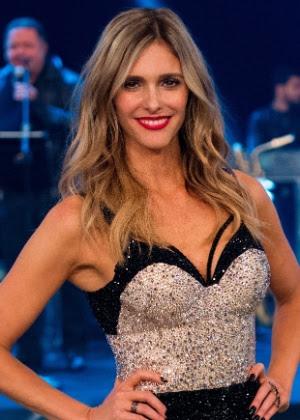 Fernanda Lima continua como apresentadora da atração