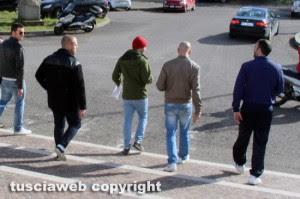 Tribunale di Viterbo - Raid allo stadio, 9 indagati - L'uscita dal tribunale dopo gli interrogatori