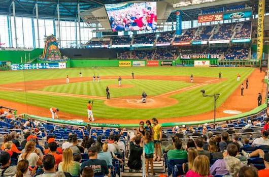 Food Lover's Guide to America's Ballparks