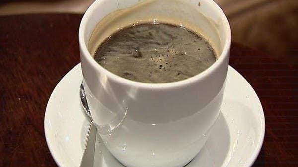تناول القهوة في أوقات متأخرة يسبب اضطرابات في النوم