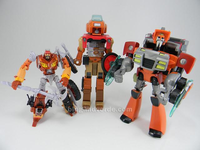 Transformers Wreck-Gar Reveal the Shield Deluxe - modo robot vs G1 vs Animated