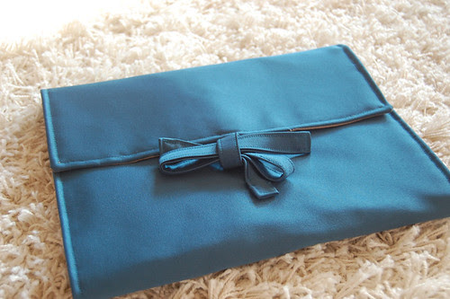 teal needle case closed