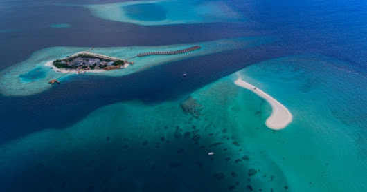 Maldives Switches From Climate Threat to Mass Tourism