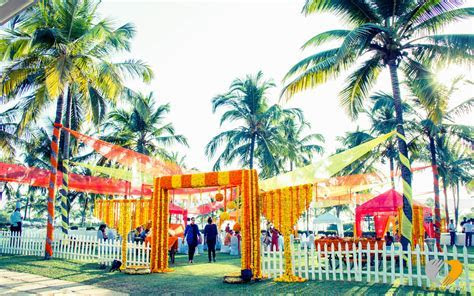 Fabulous Wedding Gate Decoration Ideas to Create a Lasting