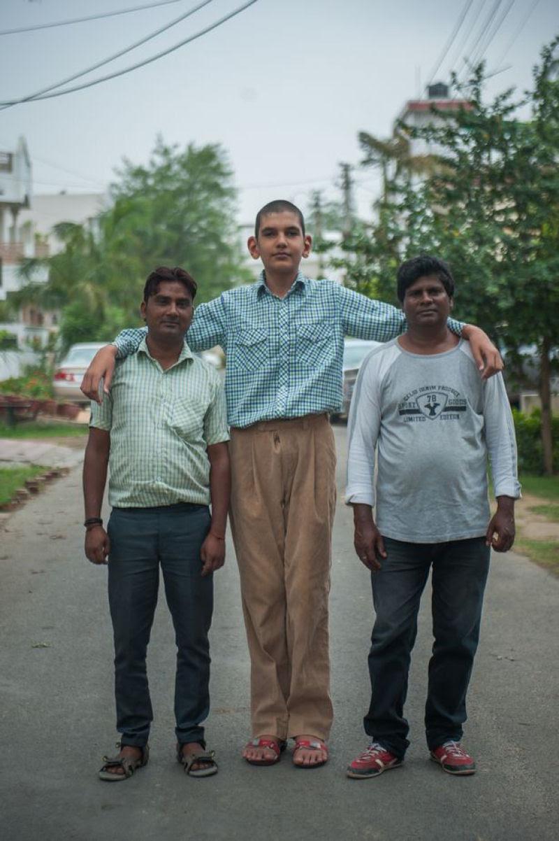 O menino de 8 anos mais alto do mundo mede 2,10 metros 07
