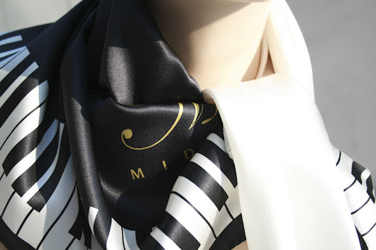 Middleton Grand Pianos Fabulous Scarf and Daring Tone
