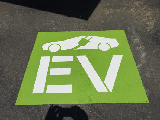 Powering Your Electric Vehicle with Solar | Yes Solar Solutions