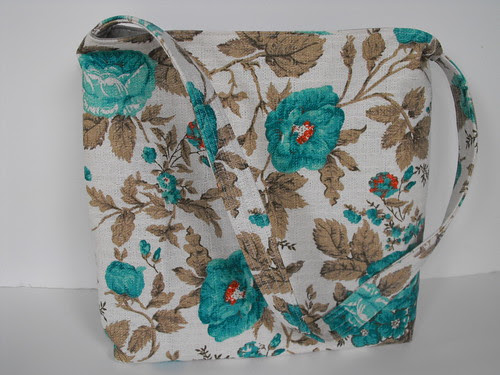 Vintage-Like Barkcloth purse