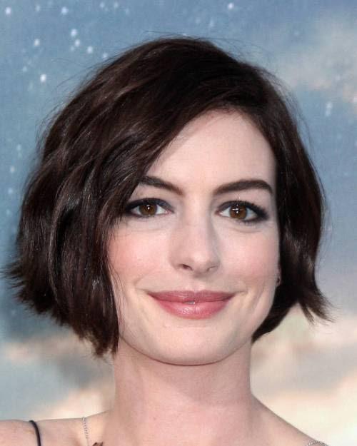Anne Hathaway short edgy bob