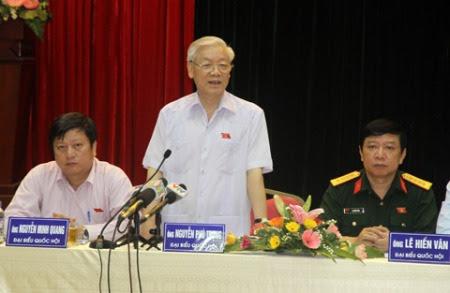 Tổng bí thư phát biểu trong cuộc tiếp xúc cử tri chiều 28/9 tại quận Hoàn Kiếm. Ảnh: Nguyễn Hưng.