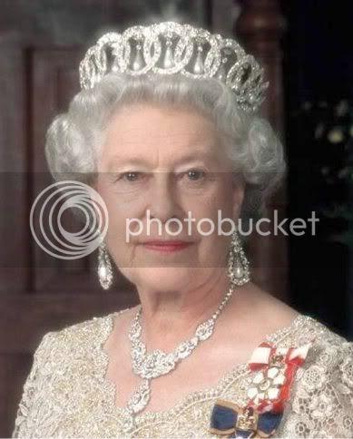 http://i67.photobucket.com/albums/h300/apark999/queen.jpg