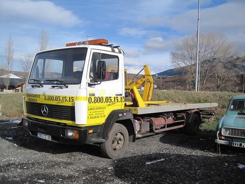 Camió Mercedes Benz grua a Sallagosa (Cerdanya)