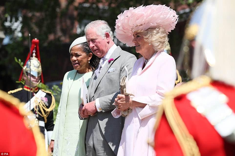 Doria, Charles y Camilla dejaron la capilla juntos y el trío dijo haber formado un buen vínculo a pesar de haberse conocido esta semana
