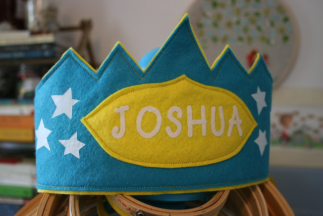 custom.birthday.crown