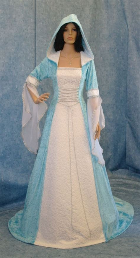 25  best ideas about Celtic Dress on Pinterest   Medieval