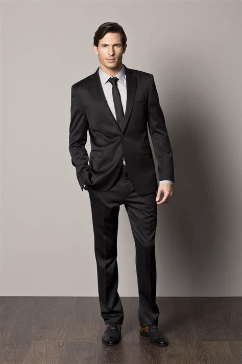 20 Best Black Suit For Men
