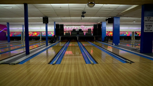 Oldest commercial bowling alley in US still going strong in Detroit