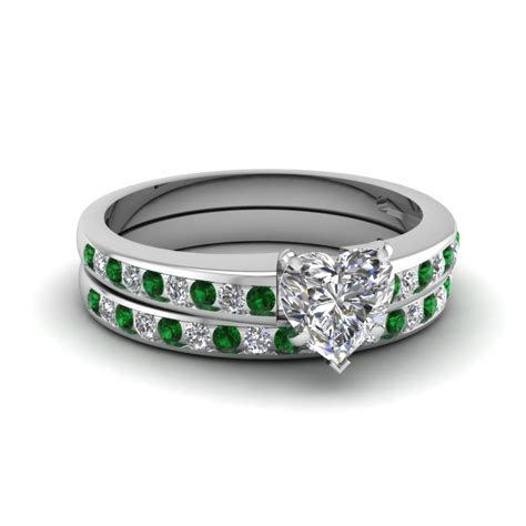 Heart Channel Diamond With Emerald Wedding Set In 14K