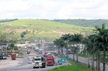 O trecho da BR-101 que vai de Palmares à divisa com Alagoas teve o contrato rescindido por recomendação do TCU (Alcione Ferreira/DP/D.A Press )