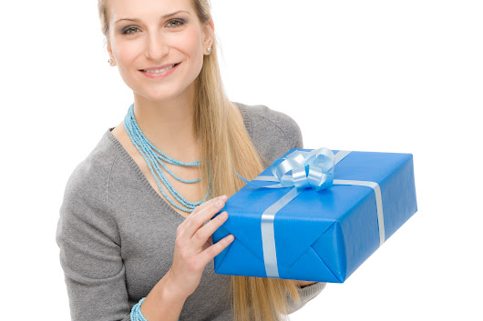 5 Tips For Sending Christmas Gifts