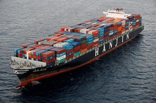 Cargo from bankrupt Hanjin ship moving in U.S., new funds pledged | Reuters