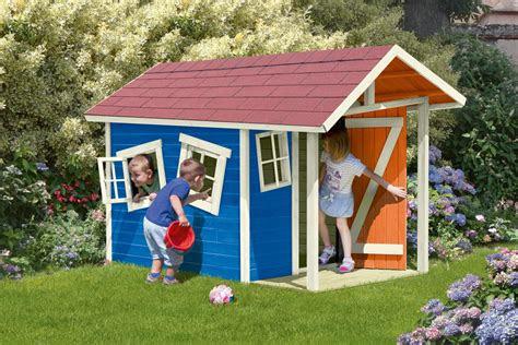 ein eigenes spielhaus ganz individuell coloriert von