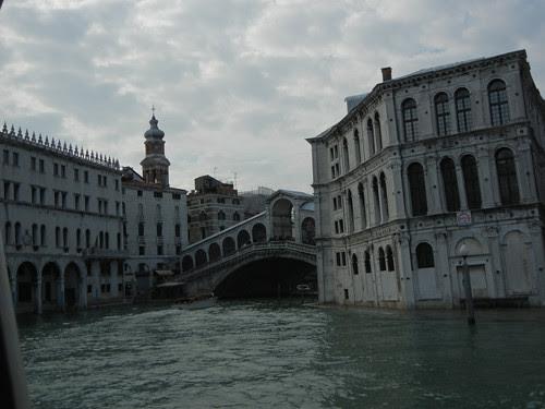 DSCN1909 _ High water near Ponte di Rialto, Venezia, 14 October