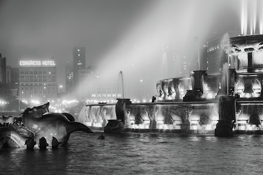 The Seahorse Speaks - Buckingham Fountain - Chicago by Scott Campbell