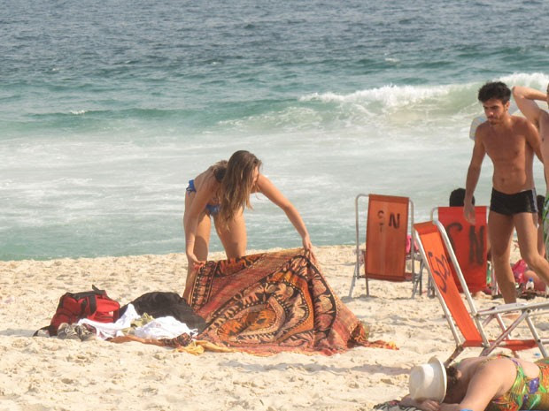 Segunda-feira no Rio foi de praia cheia (Foto: Marcelo Elizardo/ G1)