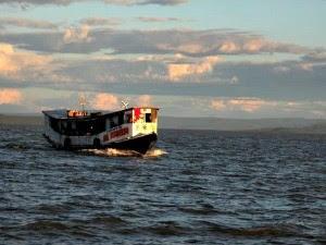 Imagem da barca que naufragou (Foto: Gabriel Filliph / Sento Sé Notícias)