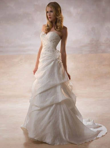 Best 25  Petite wedding gowns ideas on Pinterest   Petite