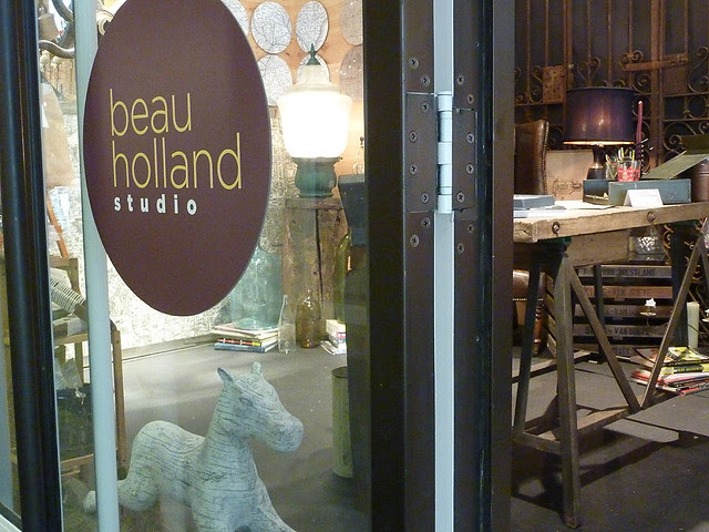 P1020501-2011-11-16-Design-Collective-Windows-on-Design-Beau-Holland--Rebecca-Keller-sign