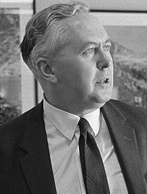 Harold Wilson, UK Labour leader, at a meeting ...