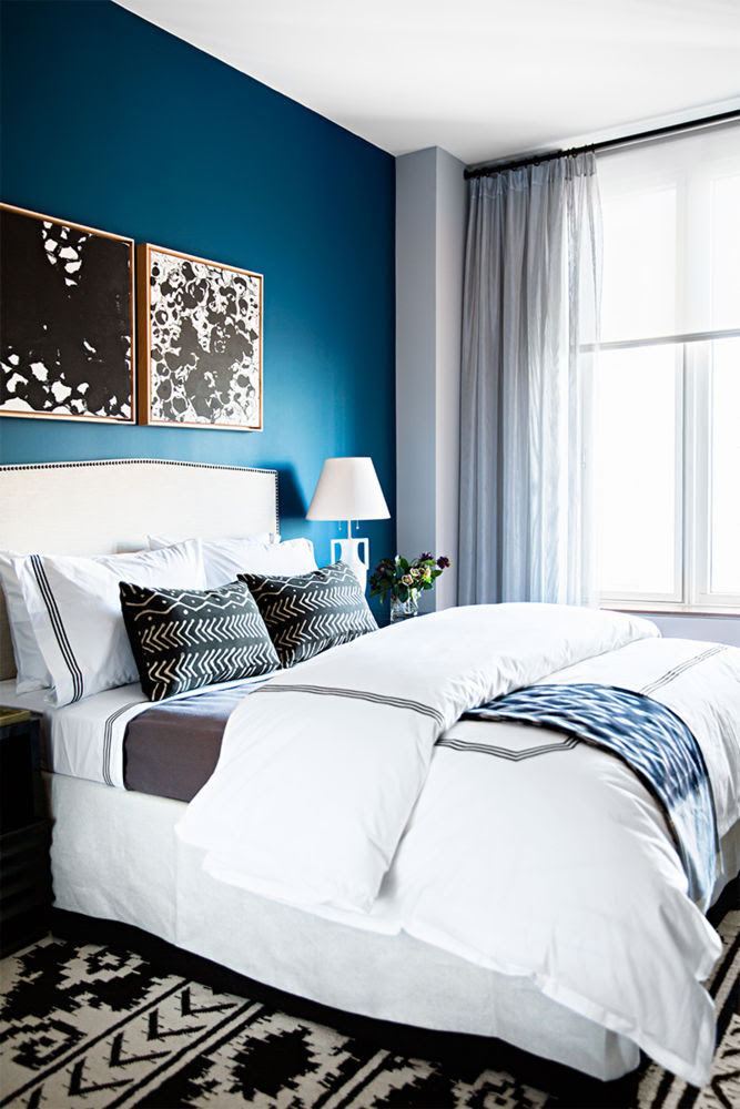 hotel linens with accent pillows
