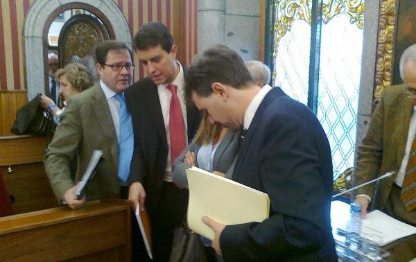 El alcalde de Burgos ha visto como se ha desestimado la propuesta de dimisión del PSOE.