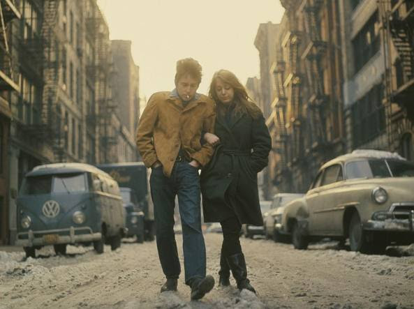 La copertina di «The Freewheelin'», con Bob Dylan e Suze Rotolo