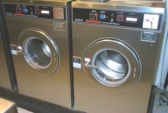 Speed Queen 30lb Front Load Washer Pre Owned Commercial Laundry Equipment Coin Operated Washers
