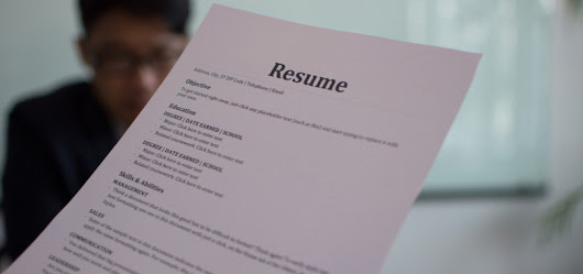 What is the difference between a resume and a curriculum vitae?