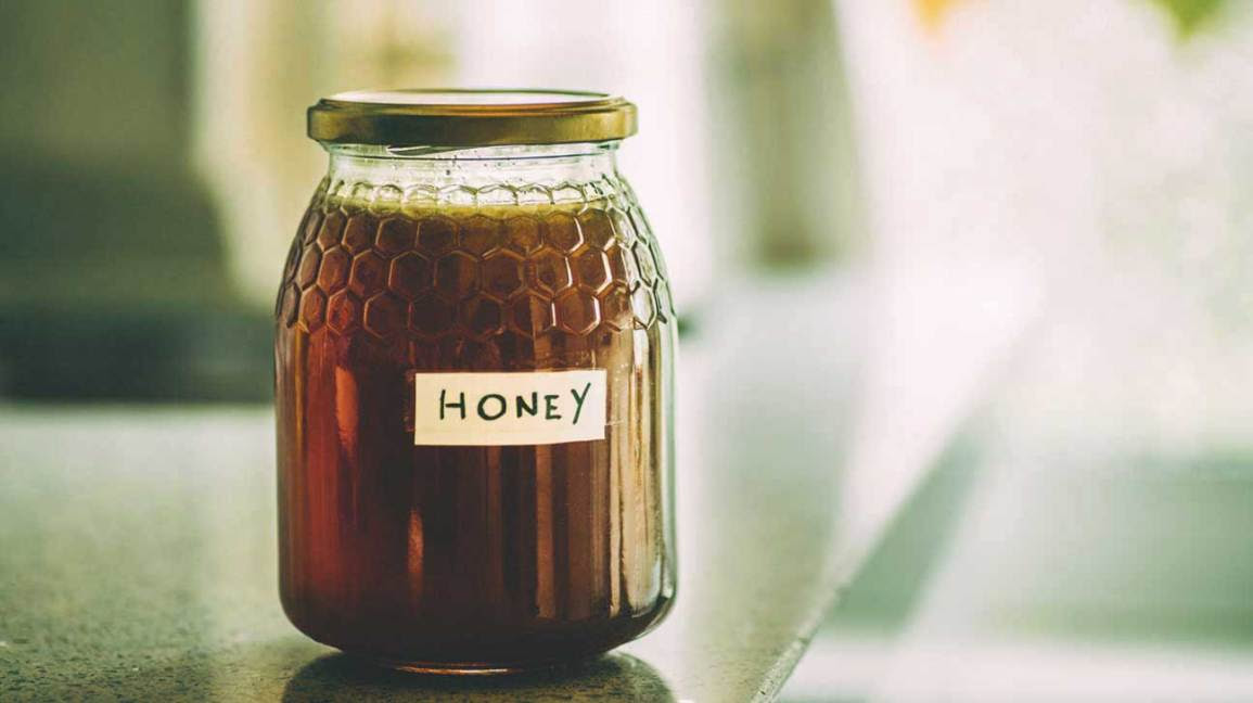All about raw honey: how is it different from normal honey?