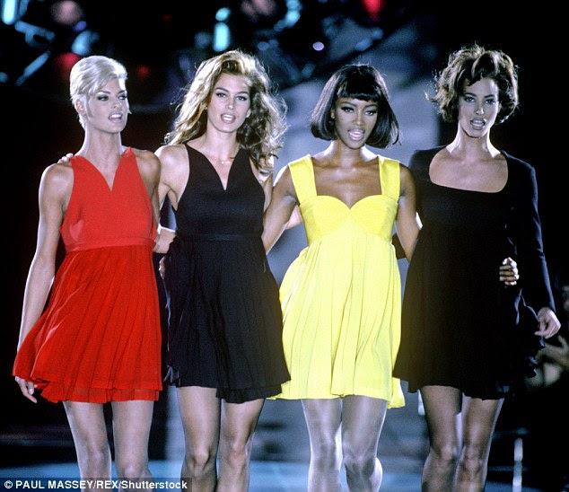 rainhas da passarela: Linda Evangelista, Cindy Crawford, Naomi Campbell e Christy Turlington durante o auge de sua fama em 1991