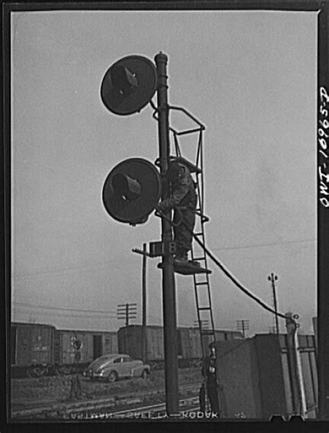 Repairing signals at an Indiana Harbor Belt Line railroad