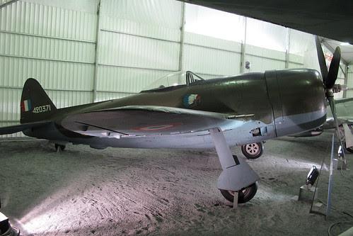 420371 P-47