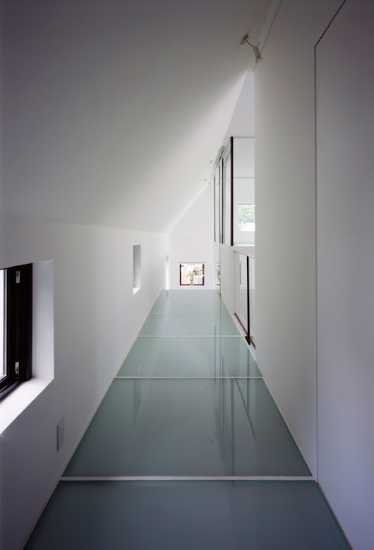 Architecture: White Modern House Concept In Kre House ~ CLAFFISICA