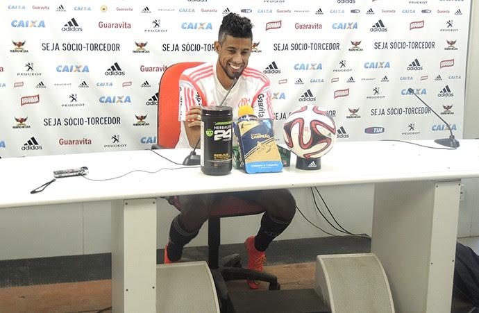 Léo Moura, Coletiva Flamengo (Foto: Fred Gomes)