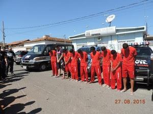"""Dez pessoas foram presas na operação """"Cachorro doido"""" (Foto: Polícia Civil)"""