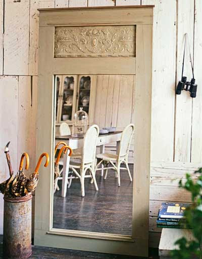 ideas_reciclar_decorar_puerta_antigua_7
