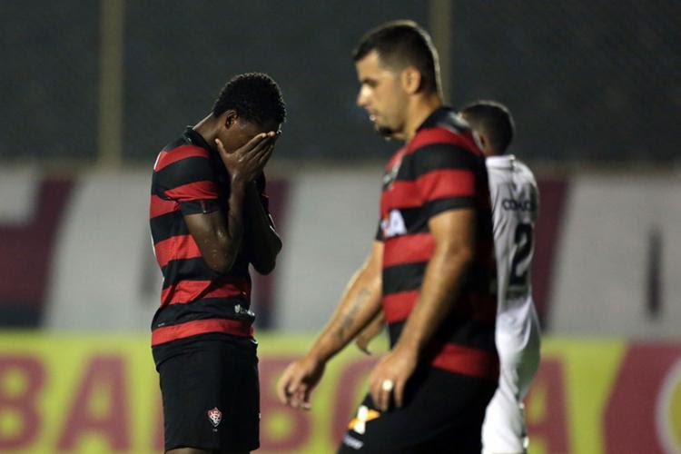 Gols do Rubro-Negro foram marcados por Yago e Neílton - que balançou a rede duas vezes - Foto: Raul Spinassé   Ag. A Tarde