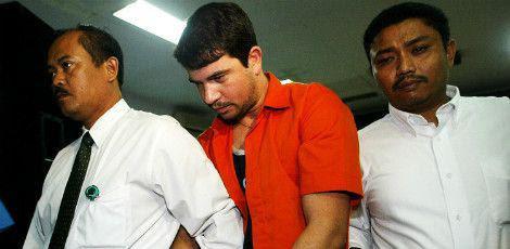Família de Rodrigo Gularte tenta impedir a execução alegando que ele sofre de doenças psiquiátricas. / Foto: Dita Alangkara/AP