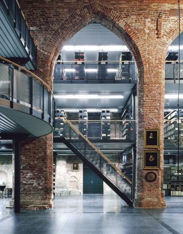 Johannes A. Lasco Bibliothek, Emden - Alte Kirche Emden Architekt: Jochen Bunse (Bj.1995).