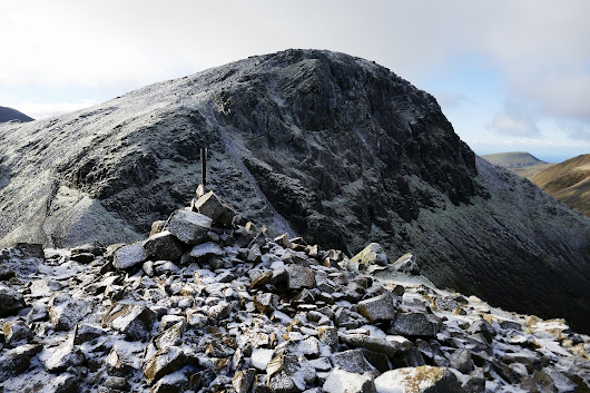 Walk up Great Gable from Seathwaite via Gillercomb | Lake District Western Fells Walks | Mud and Routes